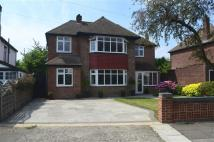 5 bed Detached property in Sutherland Avenue...