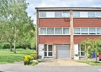 4 bed Town House in Sparrow Drive, Orpington