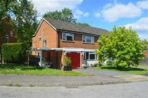 3 bed semi detached property for sale in Pondwood Rise, Orpington