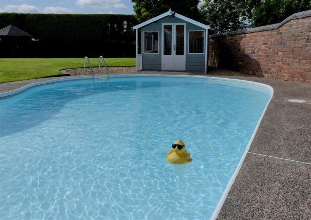 Heated Open Air Swimming Pool