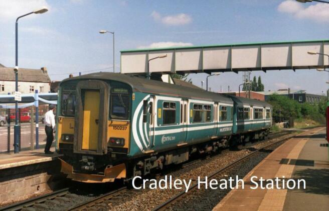 Cradley Heath train station.jpg