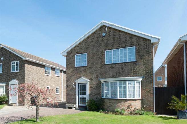 5 bedroom detached house for sale in cliffsend ramsgate kent ct12