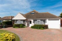 5 bed Detached Bungalow in Gloucester Avenue...