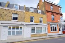 3 bedroom property to rent in Weymouth Terrace, E2