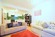 Flat to rent in Newington Green Road...