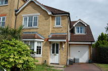 5 bedroom semi detached property in Nightingale Shott, Egham...