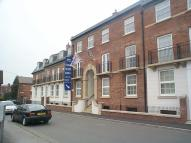 Royles Square Flat to rent