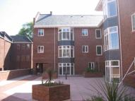 2 bed Flat to rent in Central Place...
