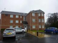 2 bedroom Flat in Hampton Court, HANDFORTH...