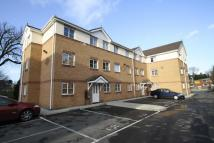 Flat to rent in Kingswood Court...