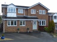 4 bed Detached property for sale in Holly Bank, Glossop