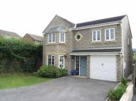 4 bed Detached house in Plover Close, Glossop...