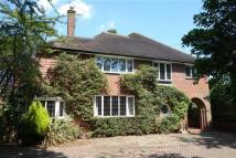 5 bedroom Detached home in Manor Road, Aldershot