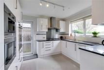 3 bed Detached home in Oakwood Road...