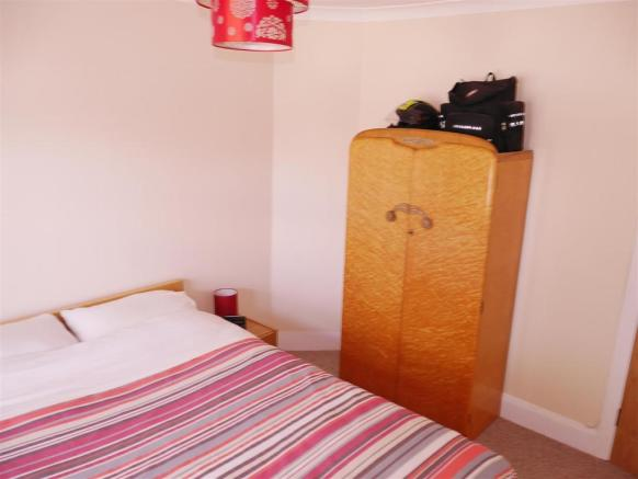 Bed 1 Photo 2.JPG