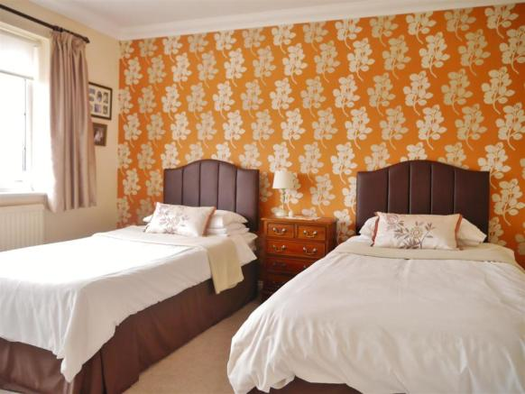 bed 2 pic 1.JPG