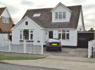 5 bed Detached property in Thames Road...