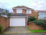 4 bedroom Detached property to rent in Village Drive...