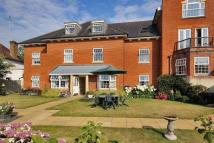 3 bed Flat for sale in Potters Place, Horsham