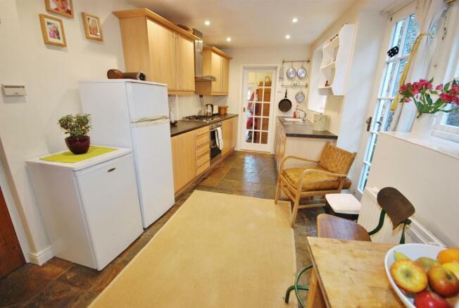 a kitchen.jpg