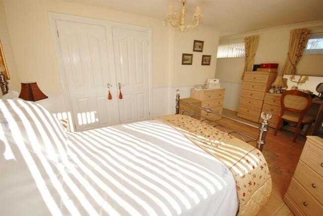 a bed 2 alt.jpg
