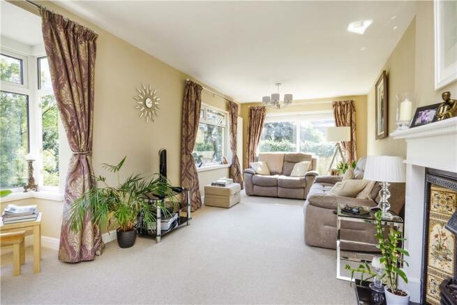 Dual aspect sitting room