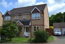 3 bedroom semi detached property in Swallow Close, Oxford...