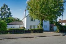 5 bedroom Detached house in Reddown Road, COULSDON...