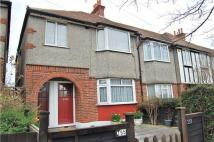 Maisonette for sale in Wide Way, MITCHAM...