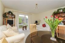 2 bed Flat for sale in Chestnut Court...