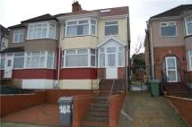 5 bed semi detached house in Grove Crescent...