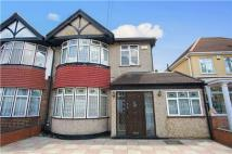 4 bed semi detached house in Valley Drive, KINGSBURY...