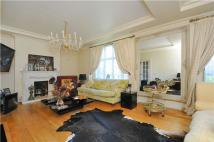 4 bedroom Flat in Putney Hill, PUTNEY, SW15