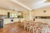 4 bedroom Detached house in Sunny Bank...