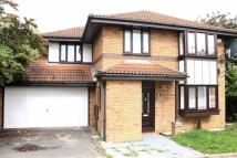 4 bedroom Detached property in Stratfield Court...