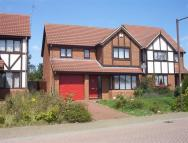 4 bed Detached house to rent in Paxton Crescent...