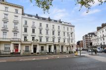 2 bedroom Flat in St. Georges Square...