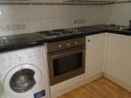 1 bed Flat to rent in Cricklewood Broadway NW2