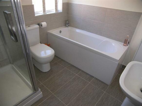 LUXURY BATHROOM / WC