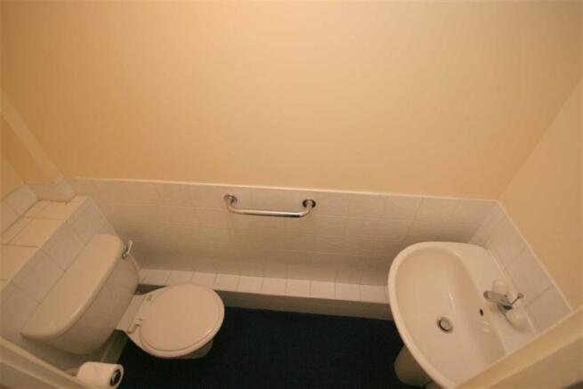 CLOAKROOM / WC