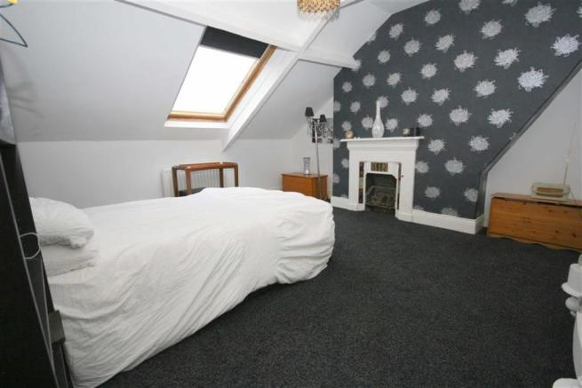 REAR DOUBLE BEDROOM FOUR
