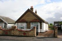 2 bed property to rent in Meadfield Road, Langley...