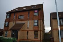 Flat in Holmlea Road, Datchet...