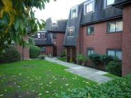 Flat to rent in DAINTRY LODGE NORTHWOOD...