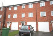 4 bed Town House in Kingscroft Drive Hull