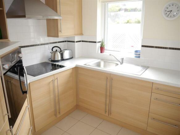 lys kitchen new 1.JPG