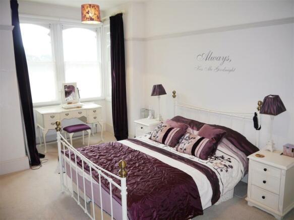 22 fal master bedroom 2.JPG