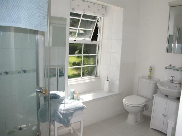 7251 Bathroom.JPG