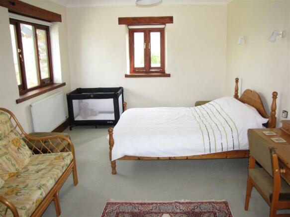 7207 Bedroom 4.JPG