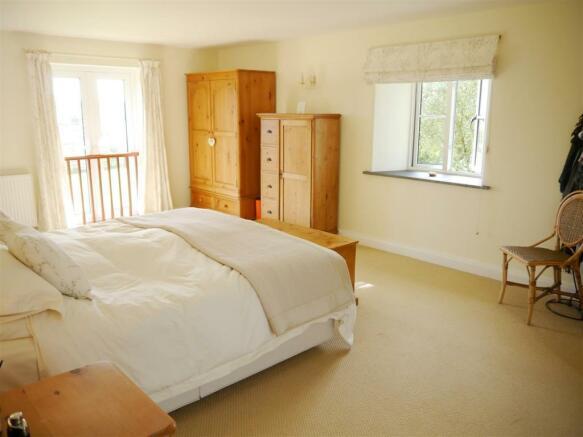 wag master bedroom 1.JPG
